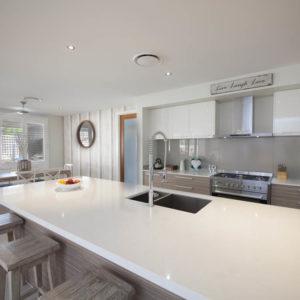 Organic White 4600 Caesarstone Komposit Küchenplatten