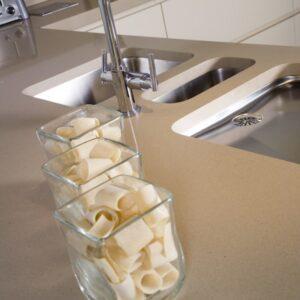 Divinity Crema Diresco Komposit Küchenplatte